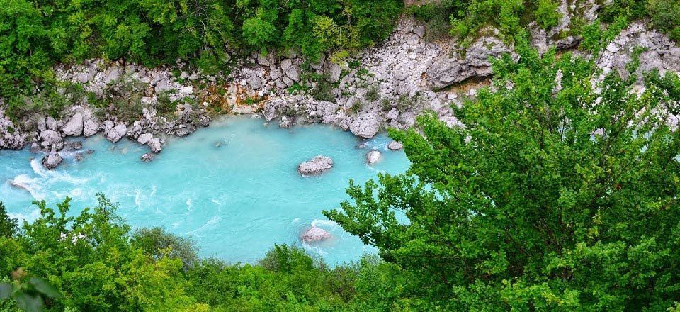soca emerald river bovec slovenie