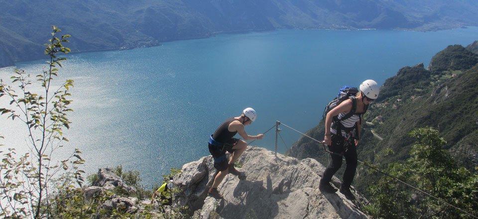 gardameer rotsklimmen peak of cima capi