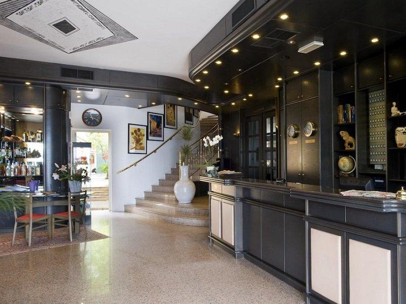 Vakantie Hotel Drago in plaatsen rond het Gardameer (Gardameer, Italië)