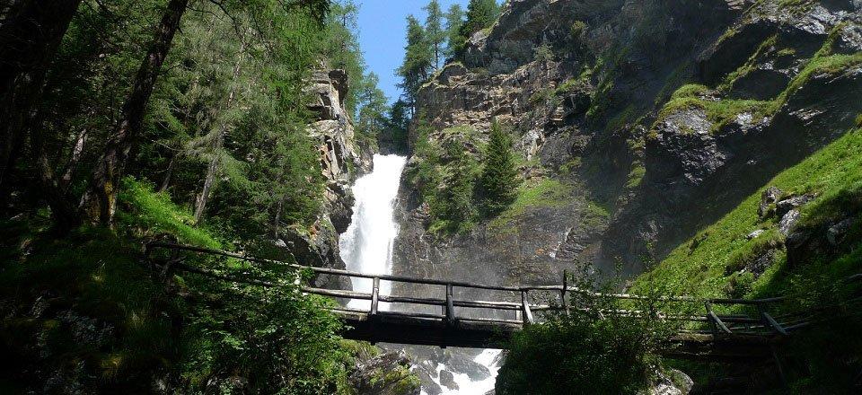val di sole val di rabbi cascate saent waterval trentino zuid tirol italie