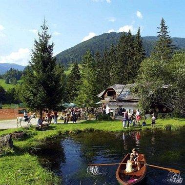 familu fun hotel trattlerhof bad kleinkirchhem oostenrijk