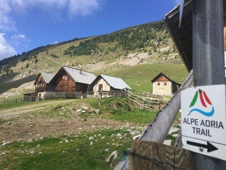 alpe adria trail feiztritzer alm notsch valbruna