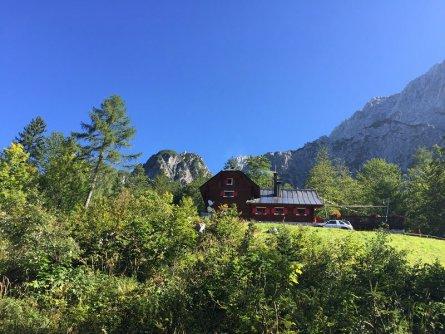 alpe adria trail rifugio zacchi