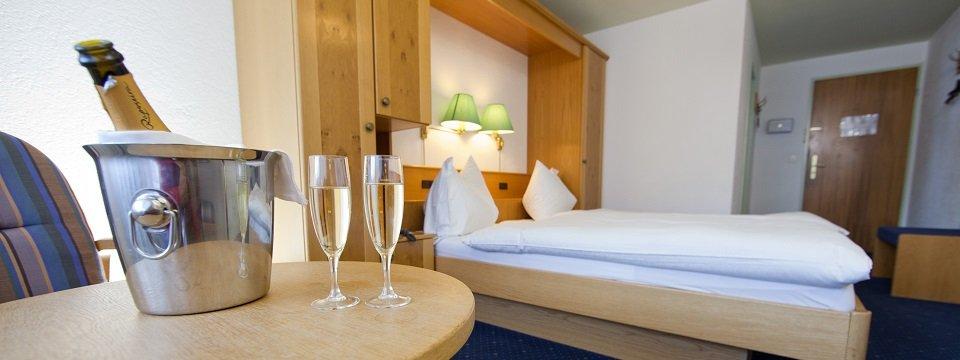 hotel swiss budget alpenhotel tasch bei zermatt wallis (102)