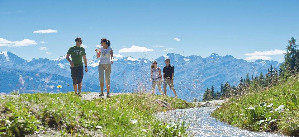 wandelen crans montana wallis zwitserland