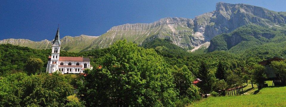 e26 aat alpe adria trail etappe 26 drežnica(kobarid)  tolmin bergdorf dreznica