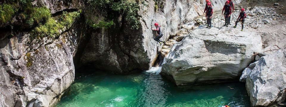 canyoning outdoor active zillertal vakantie oostenrijk oostenrijkse alpen