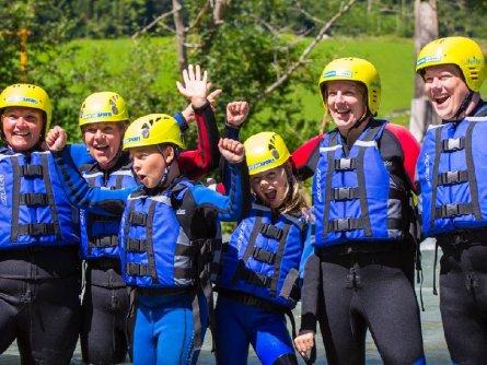 actieve vakantie family rafting outdoor active zillertal vakantie oostenrijk oostenrijkse alpen
