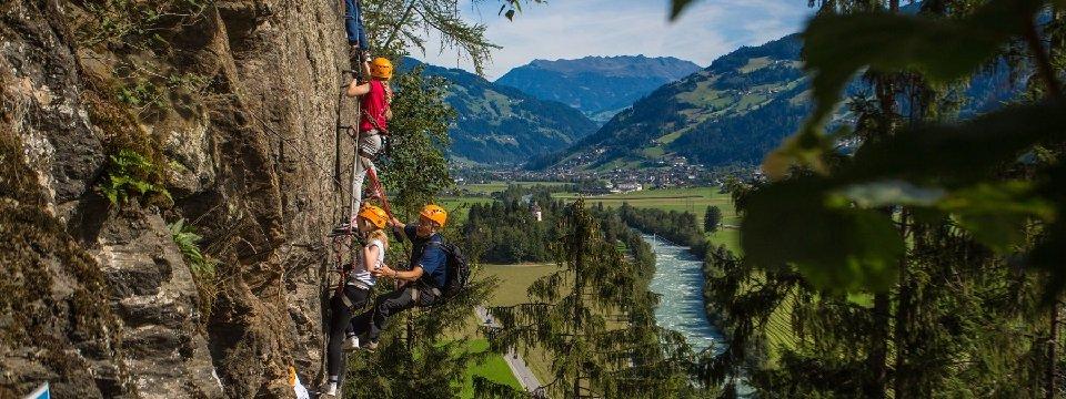 avontuur via ferrata outdoor active zillertal vakantie oostenrijk oostenrijkse alpen