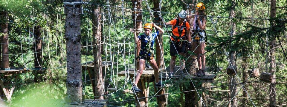 family high ropes course outdoor active zillertal vakantie oostenrijk oostenrijkse alpen