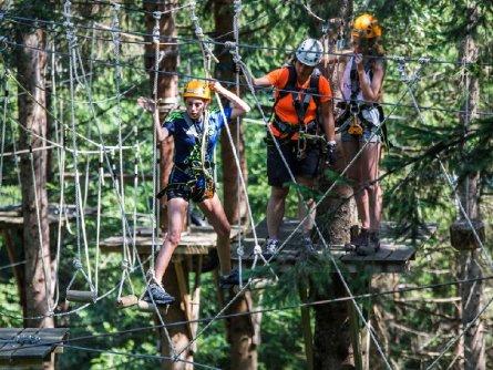 actieve vakantie family high ropes course outdoor active zillertal vakantie oostenrijk oostenrijkse alpen