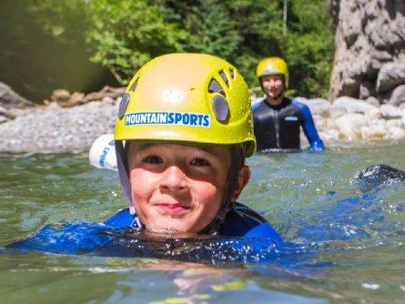 actieve vakantie avontuur family canyoning outdoor active zillertal vakantie oostenrijk oostenrijkse alpen