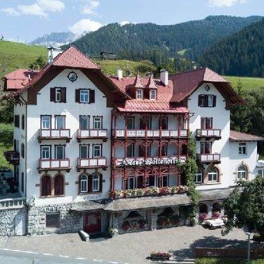hotel wolkenstein val gardena trentino zuid tirol vakantie italie italiaanse alpen (1)