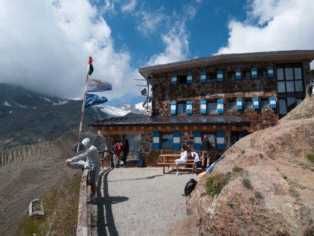 huttentocht stelvio national park dolomieten vakantie italiaanse alpen italie wandelen rifugio larcher