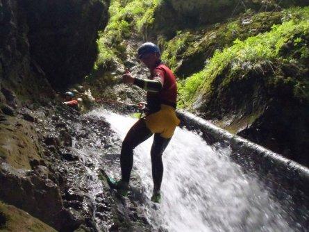 canyoning actieve vakantie familie val di sole wandelen kinderen vakantie italie italiaanse alpen  (3)