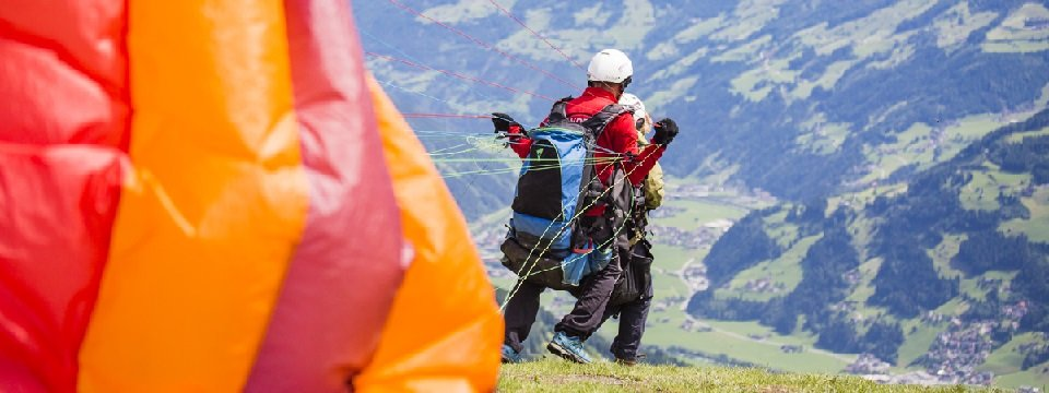 tandem paragliding in het zillertal tirol mayrhofen fuegen vakantie oostenrijk oostenrijkse alpen activiteit (23)