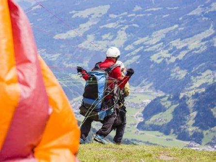 tandem paragliding in het zillertal tirol mayrhofen fuegen vakantie oostenrijk oostenrijkse alpen activiteit (25)