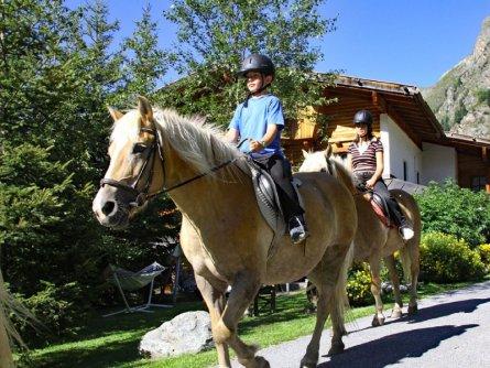 paardrijdvakantie tirol paardrijden pension apartpension almhof reithof pitztal sankt stefan im pitztal vakantie oostenrijk oostenrijkse alpen (3)
