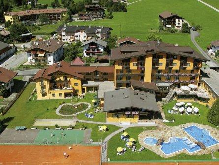 hotel sporthotel brixen im thale tirol vakantie oostenrijk oostenrijkse alpen (2)