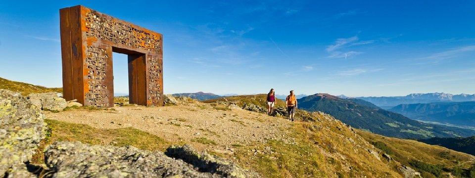 alpe adria trail meerdaagse wandeltocht vakantie oostenrijk fernwanderwege   millstätter alpe   granattor am alpe adria trail (2)