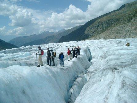 actieve vakantie gletsjertrekkings aletsch gletsjer trekking vakantie zwitserland (14)