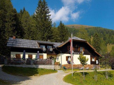 alpe adria trail huttentocht etappe 15 (5) falkerthaus