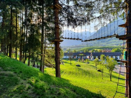 outdoor active val di sole avontuurlijke familievakantie italiaanse alpen italie val di sole klimpark (3)