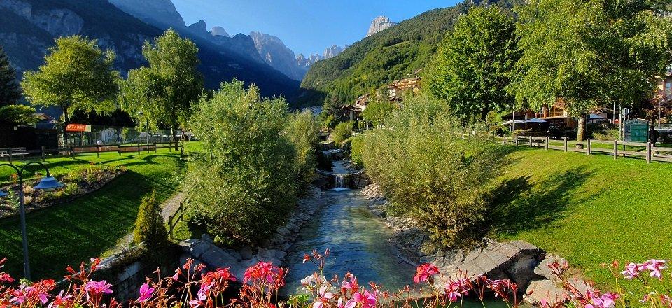 meer van molveno trentino italiaanse alpen italie (5)
