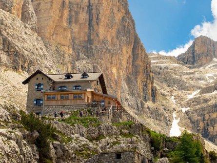 brenta dolomiti trail huttentocht dolomieten val di sole actieve vakantie italie italiaanse alpen rifugio tuckett 1