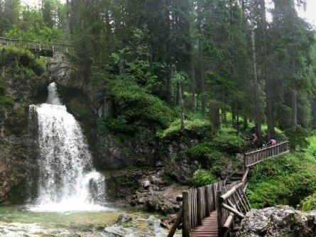 brenta dolomiti trail huttentocht dolomieten val di sole actieve vakantie italie italiaanse alpen vallesinella waterfalls