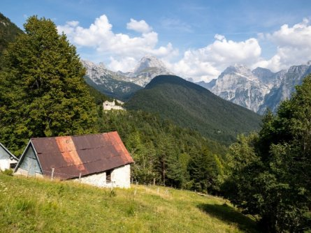 juliana trail etapa15 log pod mangartom cave del predil 48 (mitja sodja)