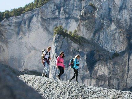 wandelen ruinalta swiss grand canyon graubunden zwitserland tourismus flims laax (2)