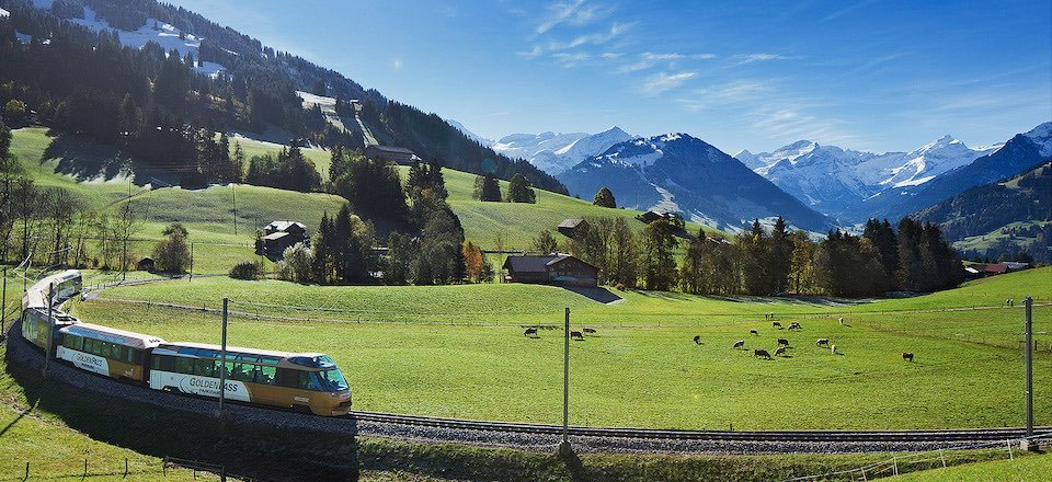 panoramatrein golden pass gstaad kanton bern berner oberland zwitserland mob
