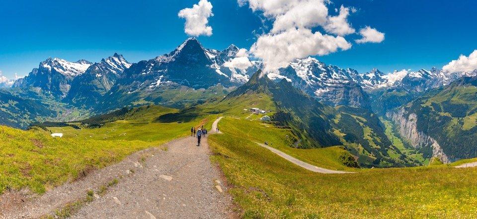 adobestock_281701107_jungfrau_grindelwald_lauterbrunnen_berner oberland_zwitserland