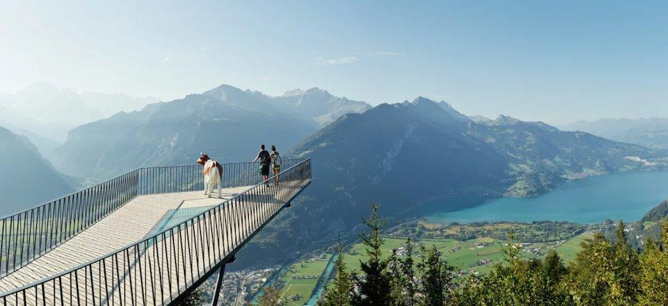harder kulm aussichtsplattform panorama jungfrau region berner oberland zwitserland tourismus jungfrau