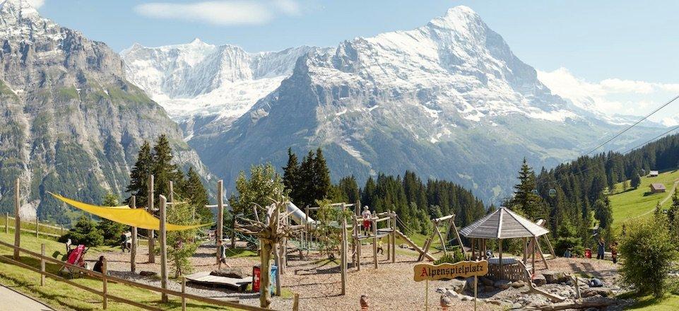 grindelwald alpenspielplatz bort kinder eiger sommer berner oberland zwitserland tourismus jungfrau