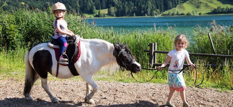ponyrijden kinderen weissensee karinthie oostenrijk tourismus weissensee