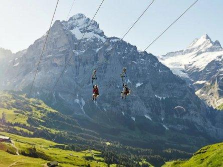 grindelwald first flieger sommer wetterhorn schreckhorn alpen berner oberland zwitserland tourismus jungfrau