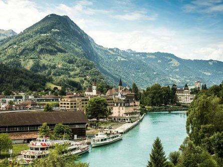 rondreis zwitserland interlaken berner oberland alpen zwitserland tourismus interlaken (ivo scholz)