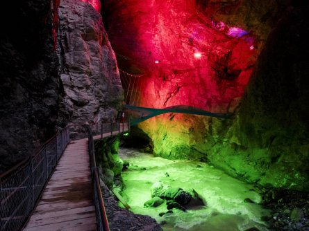 gletscherschlucht grindelwald jungrauregion berner oberland zwitserland tourismus jungfrauregion