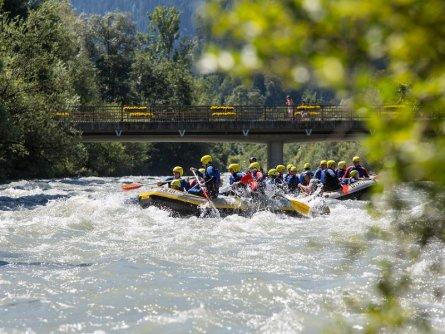 family active zillertal actieve gezinsvakantie mayrhofen alpenreizen family rafting (1)
