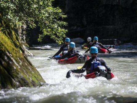outdoor active zillertal outdoorvakantie tirol oostenrijk river bug 4