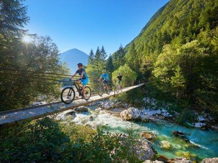 family outdoor active bovec outdoorvakantie slovenie outdoorparadijs julische alpen mountainbiken 2