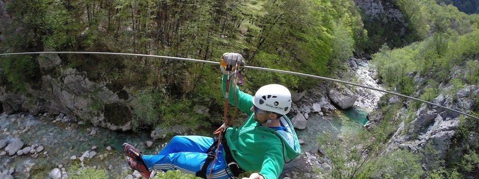 family outdoor active bovec outdoorvakantie slovenie outdoorparadijs julische alpen ziplining 4