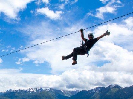 family outdoor active bovec outdoorvakantie slovenie outdoorparadijs julische alpen ziplining