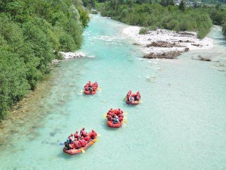 family outdoor active bovec outdoorvakantie slovenie outdoorparadijs julische alpen rafting 5