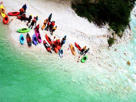 outdoor active bovec outdoorvakantie slovenie outdoorparadijs julische alpen kayaking 6