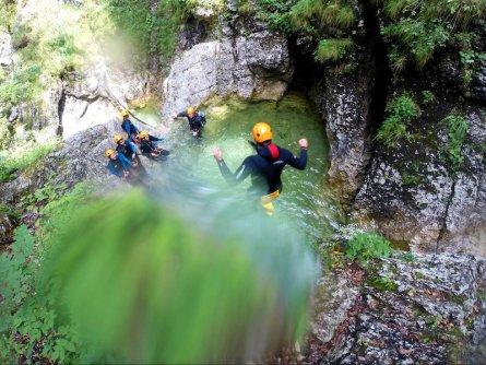outdoor active bovec outdoorvakantie slovenie outdoorparadijs julische alpen canyoning fratarica 12