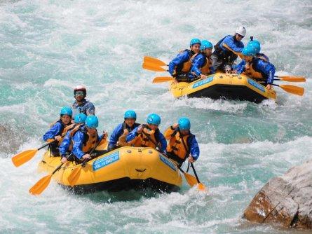 family active val di sole avontuurlijke gezinsvakantie trentino italie family rafting 5