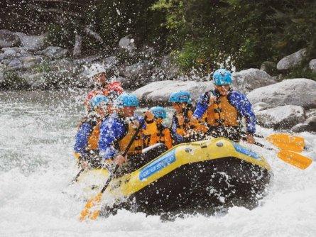 family active val di sole avontuurlijke gezinsvakantie trentino italie family rafting